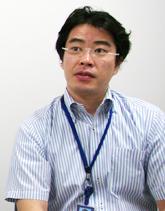 ビジュアルプロダクツ事業部 VI企画設計部 阿部浩士氏